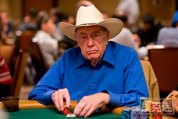 """德州扑克泰斗被""""bluff狂人""""用超级边缘牌抓鸡"""