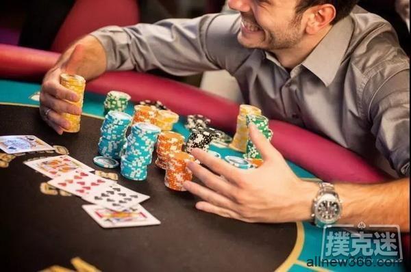 """少输就是赢!4个帮你减少""""支付""""的建议-德州扑克技巧"""