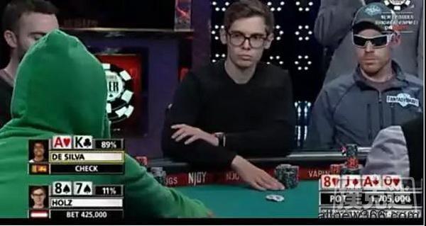 胆儿够肥才敢使出的all in偷鸡   德州扑克牌局分析