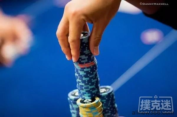 92%的非现场德州扑克玩家都会忽视的扑克马脚