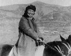 红军历史上走过长征之后级别最高的女将军是谁