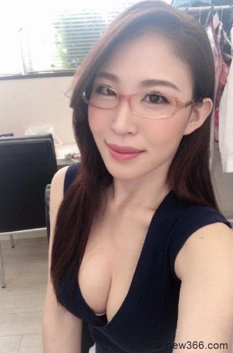 你能理解公司的漂亮女高管凛音桃花吗?