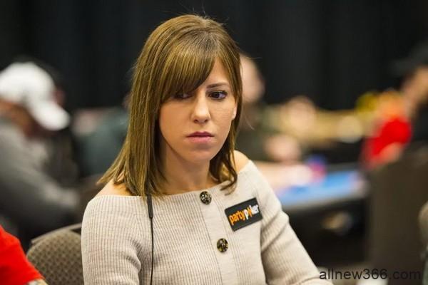 告诉Kristen Bicknell你的扑克故事,赢取百万赛席位