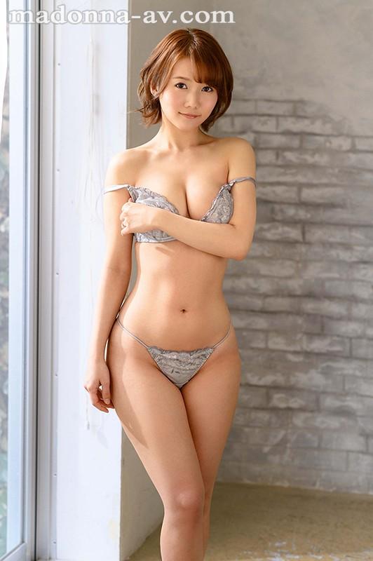 既天然又神秘!美颜美乳美腰三拍子!前写真偶像铃川莉茉好想用火车便当玩! …