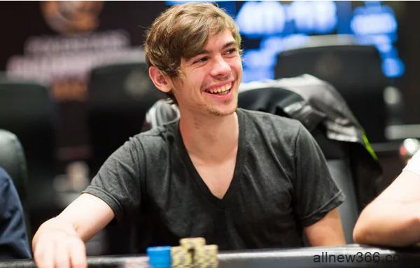 Fedor Holz强调反思在德州扑克中的重要性