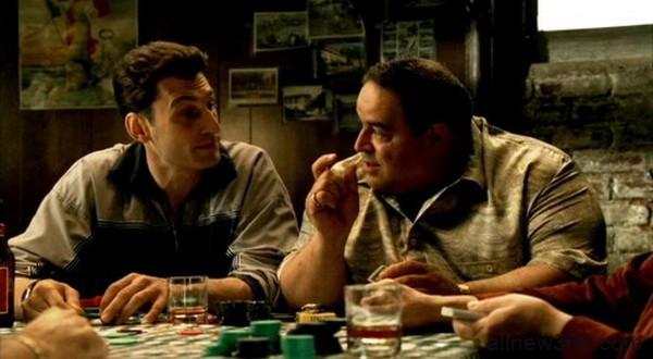如何正确地讨论德州扑克底牌