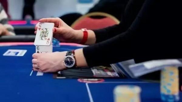 德州扑克如何在没有最好牌的情况下赢到更多底池