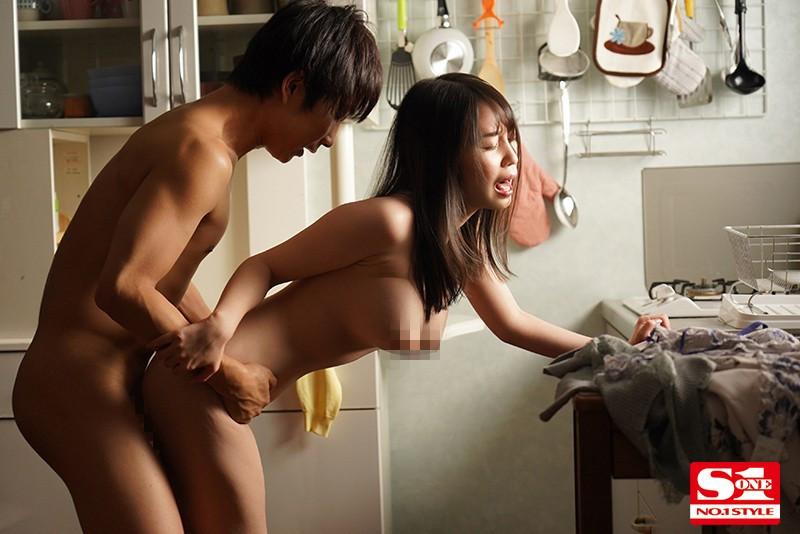 "SSIS-064 :巨乳团地妻""梦乃あいか""痒到外遇,晾著内裤就是老公不在家."