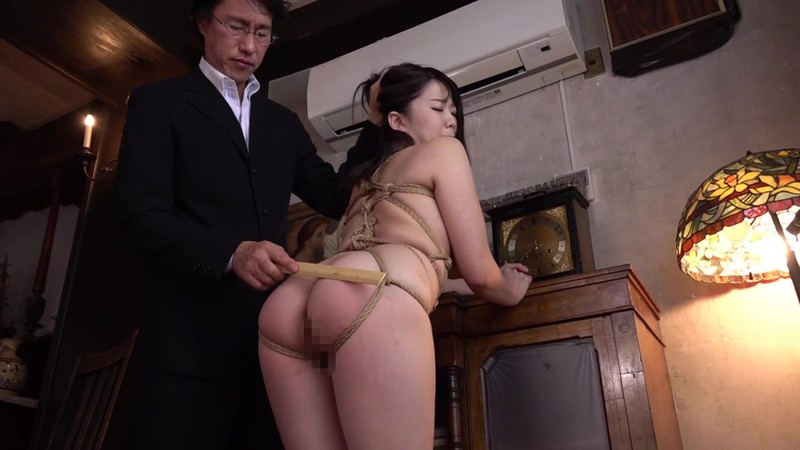 "USBA-015:巨乳女学生""佐知子""惨遭伯父肉棒凌辱,沦为性奴!"