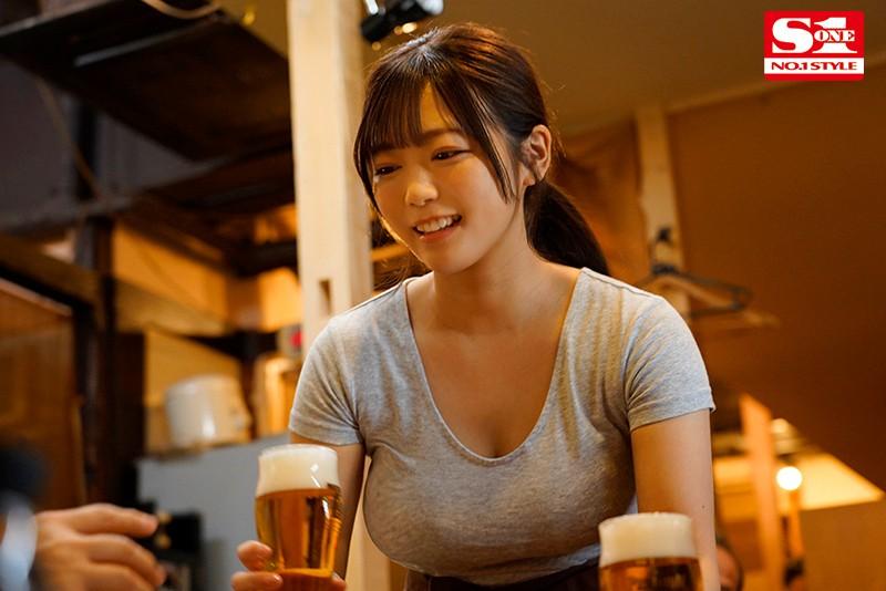 "SSIS-053 :没赶上电车!居酒屋的店花""羽咲みはる""酒后发浪吃店长肉棒!"