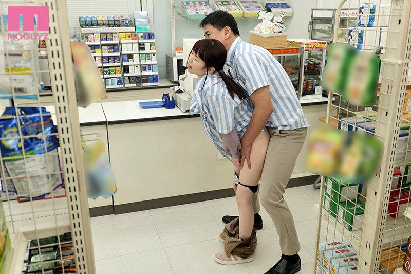 水卜さくら(水卜樱) 作品MIDE-950 :巨乳打工妹被下春药臣服在店长的棒子之下。