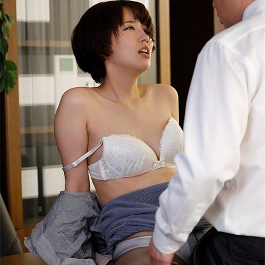美咲かんな(美咲佳奈)作品 SHKD-953:职场丝袜人妻办公室遭变态老板强暴中出。