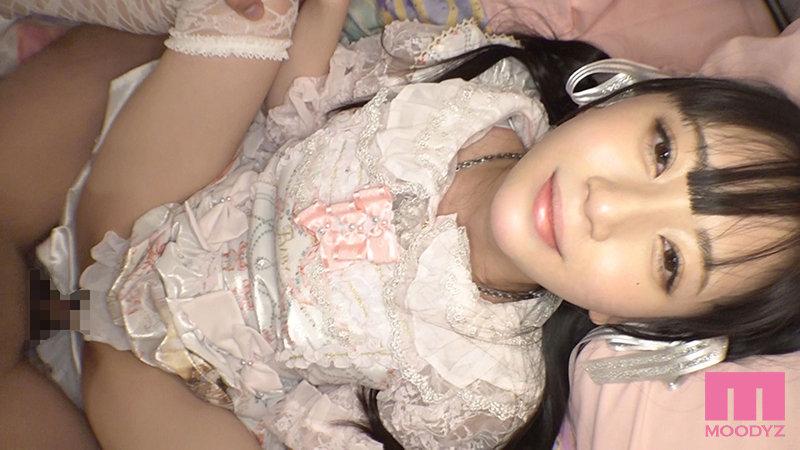 七沢みあ(七泽米亚) 作品MIDE-949 :萝莉少女骚到骨子里的淫乱着衣性交。