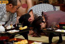 """""""深田えいみ""""社员旅行荒涎派对上被玩弄 男同事排队轮流中出-蜗牛扑克官方-GG扑克"""