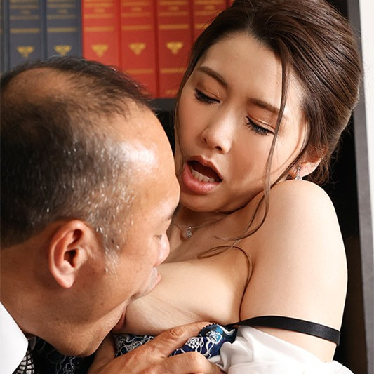 爱弓りょう(爱弓凉)作品JUL-631:社长秘书为了养老公与上司办公室疯狂中出!