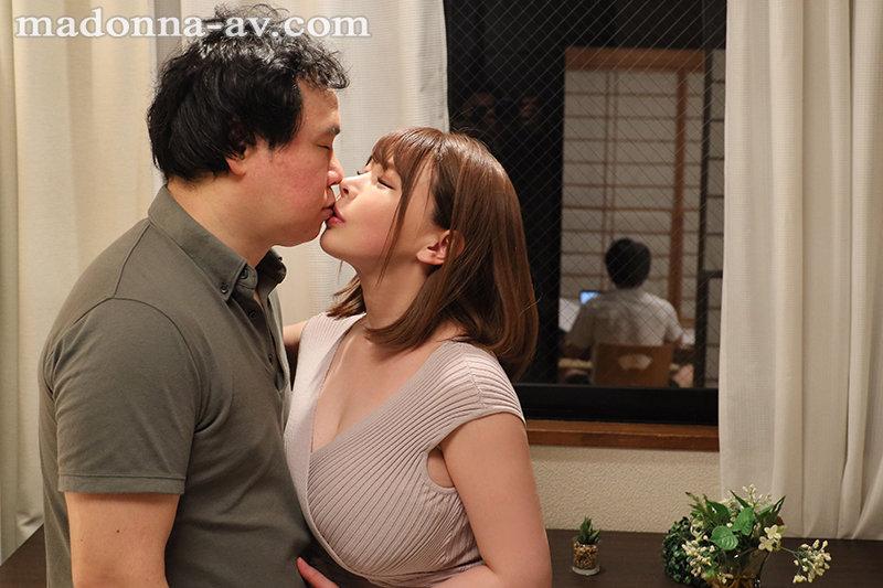 """JUL-680:饥渴痴女人妻""""叶愛""""诱惑榨干对面邻居!"""